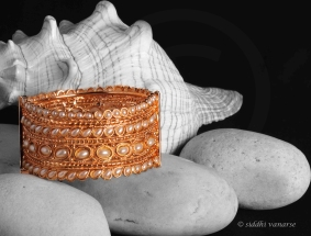 gold-jewellery-bangle-product-photography-pune